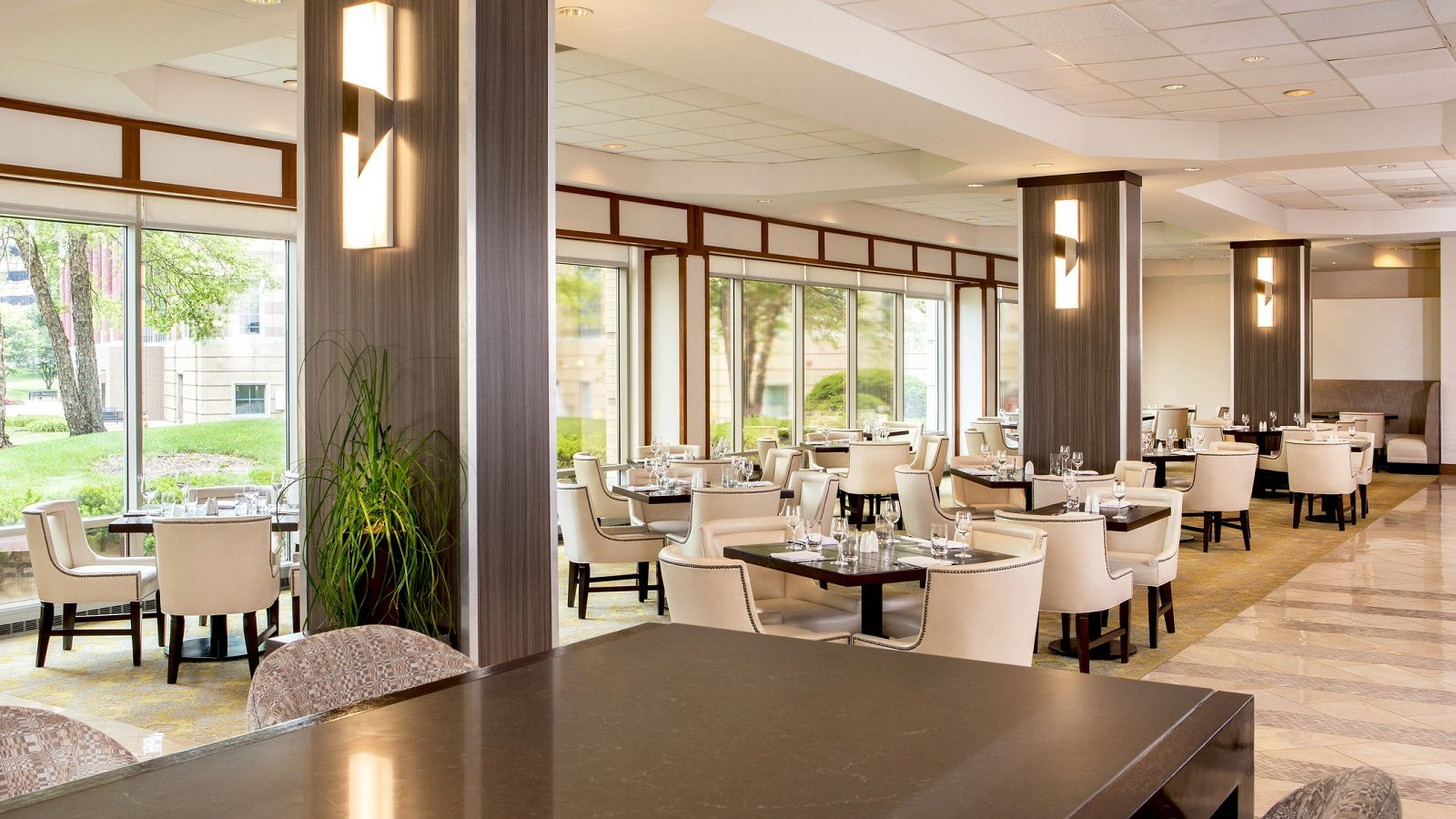 Renovated Restaurant at Sheraton Suites Chicago Elk Grove